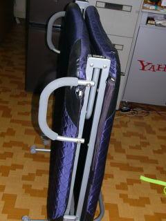 椎間板ヘルニア 折りたたみ式簡易ベッド 頚椎装具 首牽引 腰の牽引が